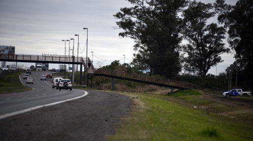 Pese a los controles policiales, los robos en la autopista Rosario-Córdoba no cesan.
