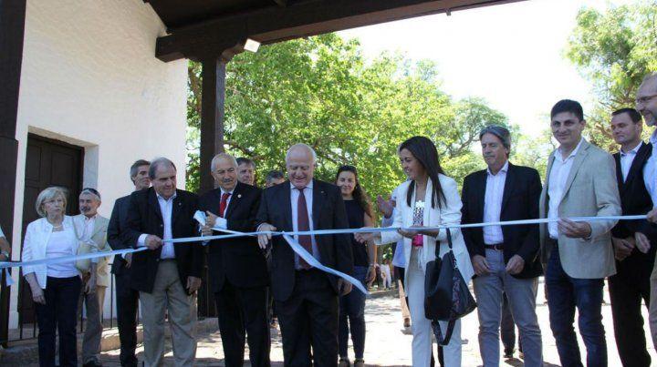 El gobernador participó del acto del aniversario de la fundación de la ciudad de Santa Fe.