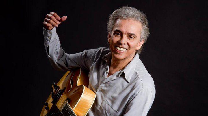 Jairo canta sus clásicos en el Astengo