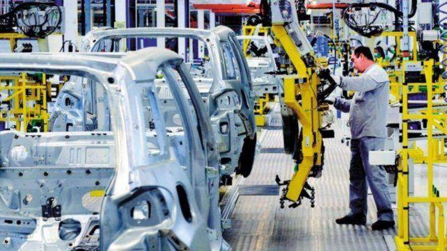La industria cayó 7,7 por ciento en septiembre, según la UIA