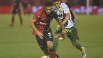 El último partido. Oviedo entró ante Defensa y asomaba para ser titular en Mar del Plata.