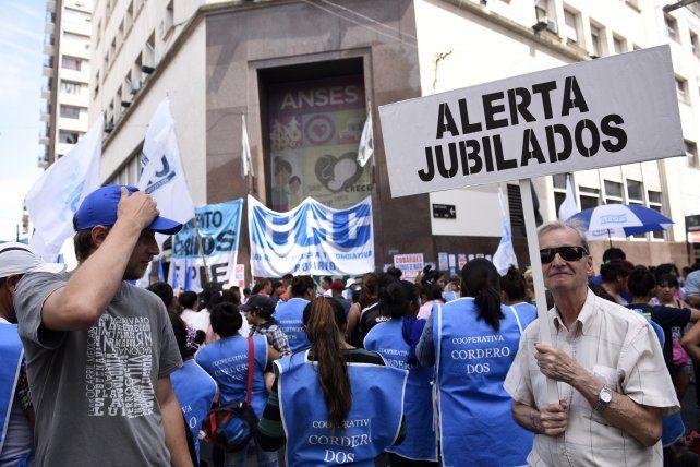 Una pareja de jubilados necesitó más de 21 mil pesos por mes para vivir en Rosario