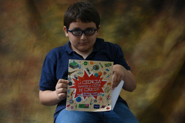 Fausto es un apasionado de la lectura de los temas científicos.