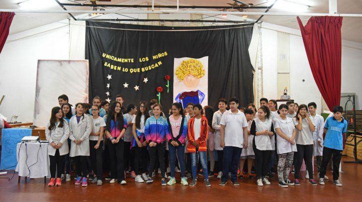 Las chicas y chicos de los 6º y 7º grados de la Escuela 119 protagonizaron un proyecto a favor de la convivencia.
