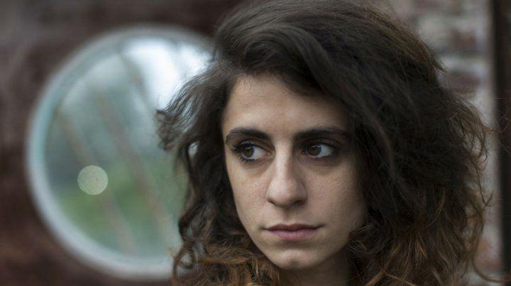 Marilina Bertoldi trae su pop sin concesiones a Rosario en un show precedido por Ca7riel.