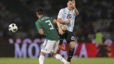 En acción. Gio Lo Celso disputa la pelota con Gutiérrez en una de las tantas maniobras en las que participó el ex volante de Central.