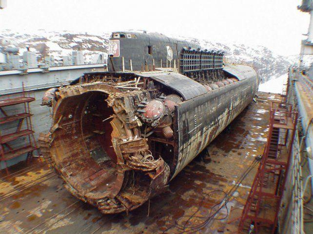 Gigante. Los restos recuperados del Kursk