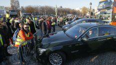 Bloqueos. Manifestantes impidieron la circulación de vehículos en toda Francia..