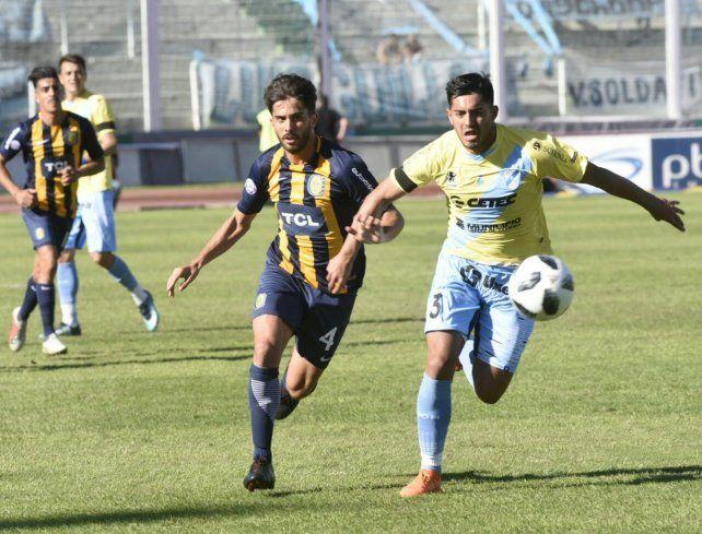 Bettini trata de escapar a la marca de un rival.