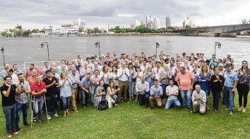 Corral recibió a dirigentes de Cambiemos en el Yacht Club santafesino.