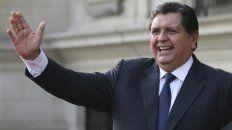 Saludo. Alan García vivía hasta hoy entre Lima y Madrid. Ahora deberá conformarse con Montevideo.