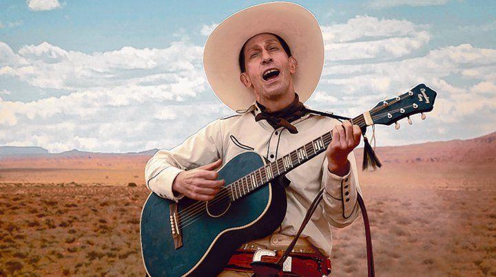 Primer relato. Tim Blake Nelson abre las historias interpretando a un vaquero cantor y rápido para disparar.
