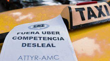 En pie de guerra. Los taxistas resisten la llegada de Uber.