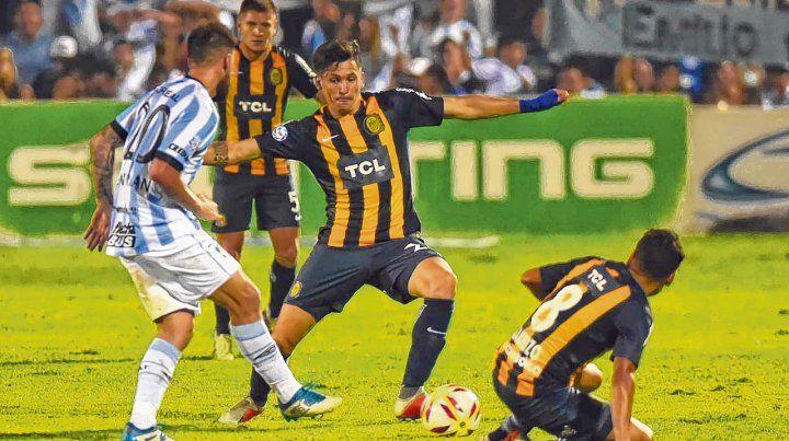 Derrota. En Tucumán fue el último partido por Superliga que tuvo el canalla previo al choque contra Temperley.