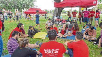 Unas 200 personas, entre estudiantes y docentes, pasaron por la primera asamblea de escuelas de gestión social.