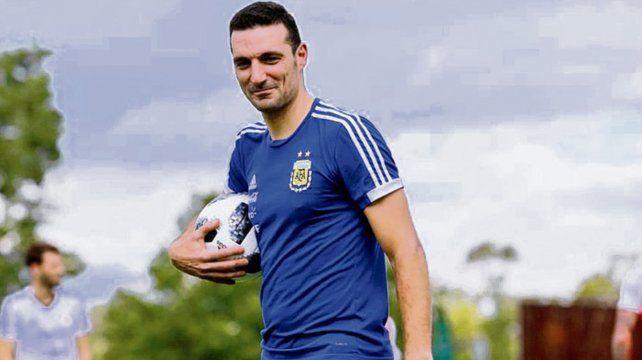 ¿Seguirá con ella? Scaloni podría estar al frente de la selección hasta la Copa América 2019.