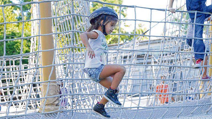 Cuerpo en movimiento. El Jardín de los Niños brinda opciones para desplegar la imaginación y ponerse en acción.