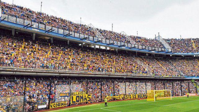 A pleno. Los hinchas xeneizes colmaron La Bombonera para alentar al plantel de cara a la final de la Copa.