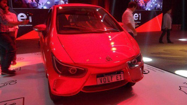 Un día histórico: presentaron el primer auto eléctrico hecho en el país