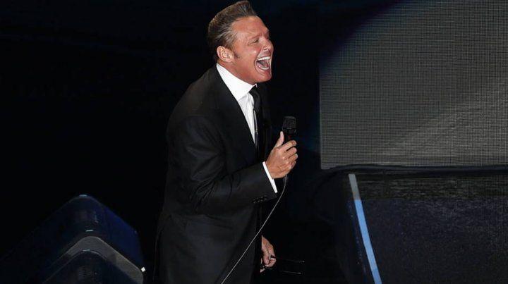 Los videos del momento en que abuchean a Luis Miguel en México