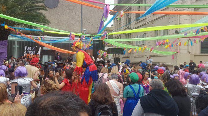 Las fotos de los estudiantes que festejaron en la bajada de Odontología