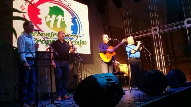 El grupo vocal Enarmonia,de Posadas, cerraron el Encuentro.