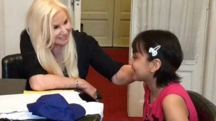 Susana le cumplió el sueño a una nena con cáncer