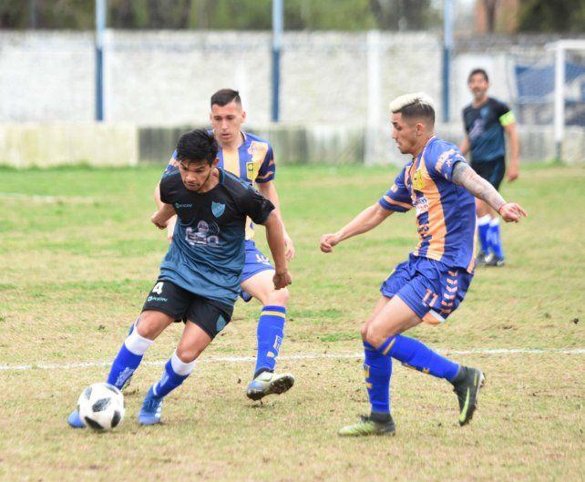 Vuelve. Braian Caraballo ingresa en el lateral derecho de la defensa por Julián Bembo.