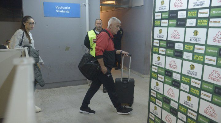 De Felippe presentó la renuncia y dejó de ser el entrenador de Newells