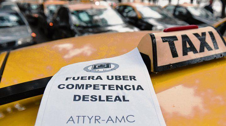 En pie de guerra. Los taxistas vienen resistiendo la llegada de Uber.