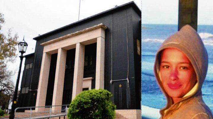 La obra. En 2014 Telleria intervino la fachada del Museo Castagnino. Mariana Telleria estudió en la UNR.