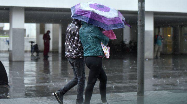 El martes llega con tiempo inestable y chances de lluvias y lloviznas