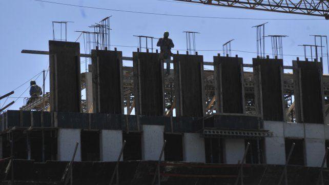 La construcción registró una baja del 8