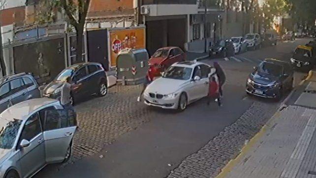Se resistió y un grupo de asaltantes armados no pudo robarle el auto