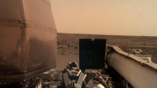 Paisaje. La cámara montada sobre uno de los brazos de la nave espacial envió esta foto que distribuyó la Nasa.
