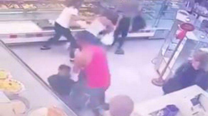 Un ladrón sufrió una feroz paliza tras robar en una panadería