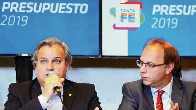 Datos. Saglione y Farías explicaron el proyecto enviado a la Legislatura.