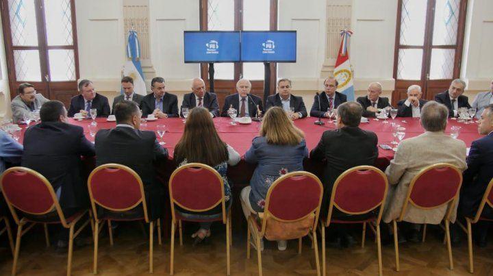 Farías: Hay amplio consenso político para reclamarle a Nación el pago de la deuda