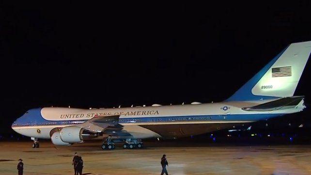 El Air Force One al tocar suelo en el aeropuerto Ministro Pistarini.
