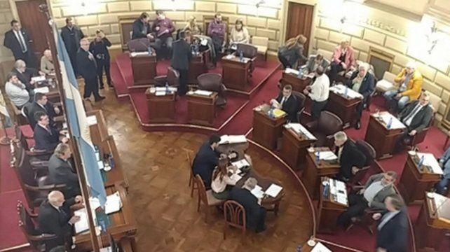 un paso. Los senadores votaron ayer el proyecto de presupuesto.