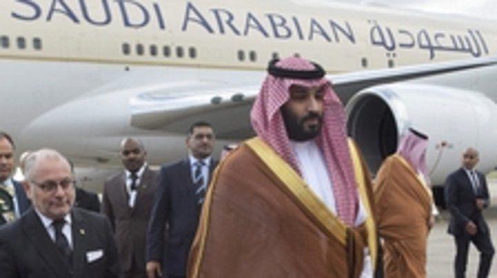Aislado. El príncipe Salman llegó el miércoles. A su lado