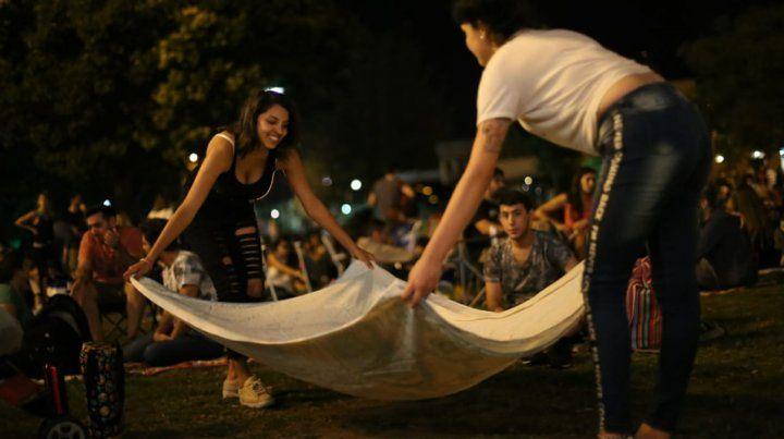 Hoy, picnic de noche se muda a las Cuatro Plazas