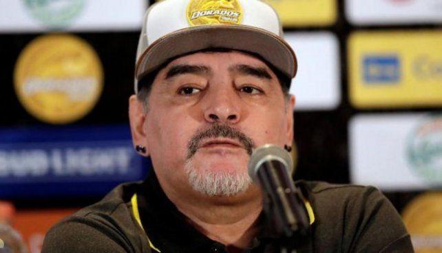 Maradona disparó munición gruesa contra la dirigencia de la Conmebol