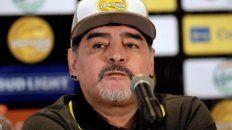 Maradona disparó munición gruesa contra la dirigencia de la Conmebol, River y la AFA.