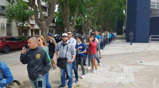 A la cola. Las entradas para la final en Mendoza tendrán una preventa por internet.