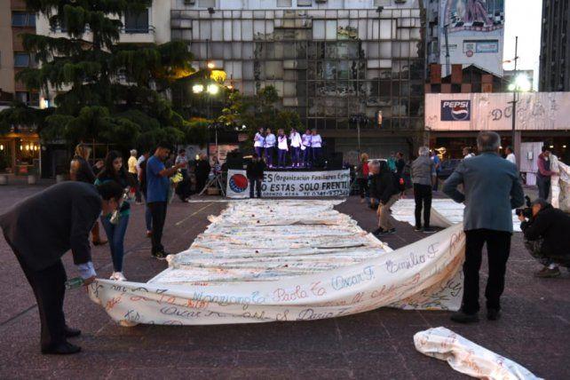 Recordaron a las víctimas del HIV en una emotiva ceremonia
