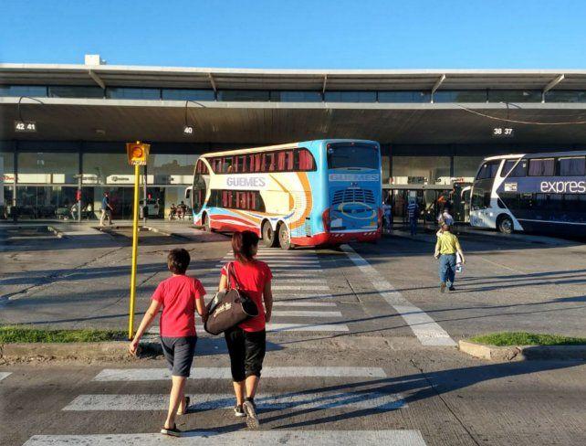 Los ómnibus no salen desde la Terminal pero