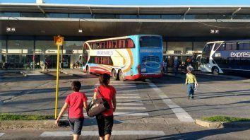Los ómnibus no salen desde la Terminal pero, llamativamente, lo hacen desde zonas muy cercanas.