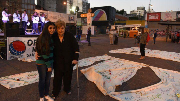 En la plaza Montenegero. Gladys González encabezó ayer la tradicional ceremonia de las mantas.