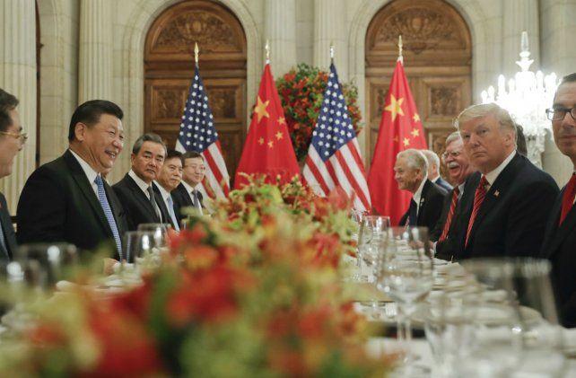 Las dos delegaciones con sus respectivos presidentes deliberaron por más de dos horas.
